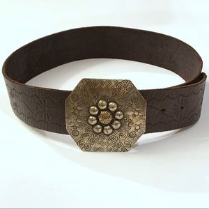 Linea Pelle brown leather tooled belt size S